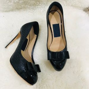 Salvatore ferragamo leather pumps shoes size 5